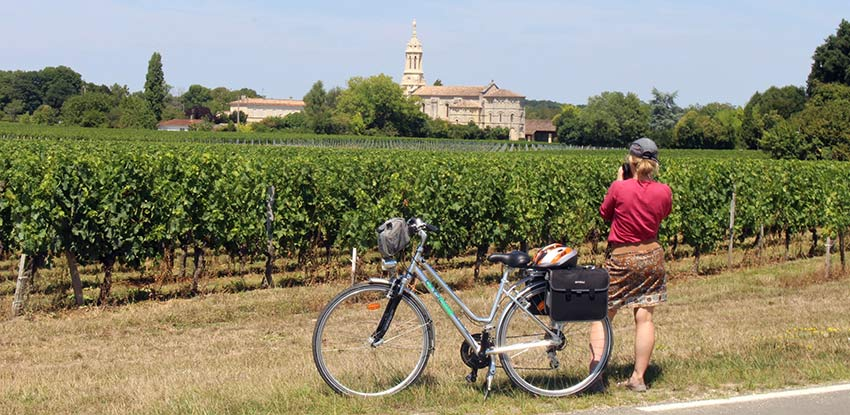 Wine, Castles, Vineyards in Bordeaux - Sherpa Expeditions walking holidays
