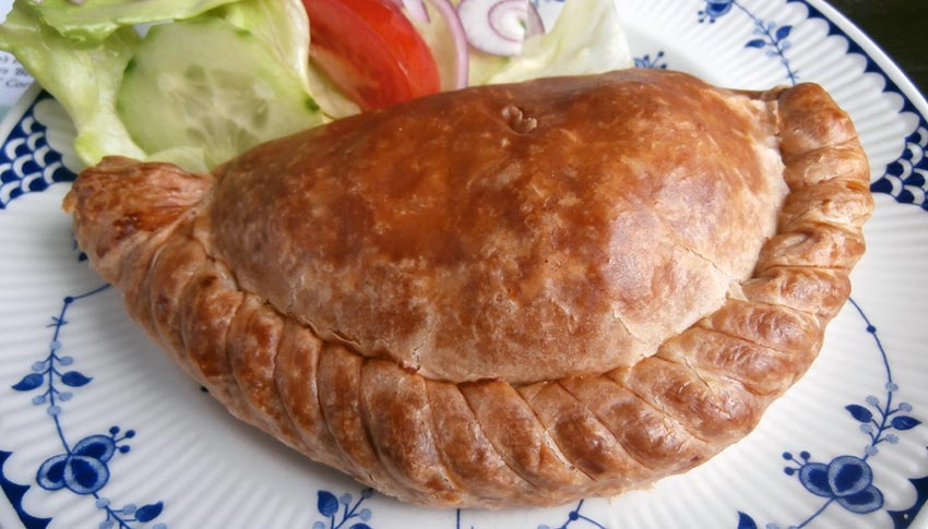 Tips to eat in Cornwall: Cornish Pasty - Sherpa walking holidays