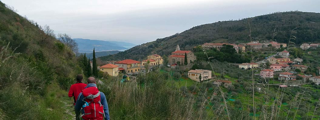 blazes lead to historical villages in Italy, Cilento - Sherpa Expeditions