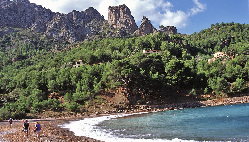 Hiking on the beach in Majorca - Sherpa Walking Holidays