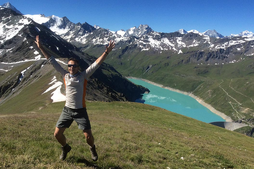 Sherpa Expeditions guide John on the Haute Route, Switzerland