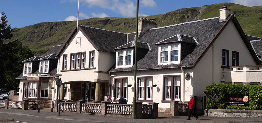 Kirkhouse Inn on John Muir Way Scotland - Sherpa Expeditions