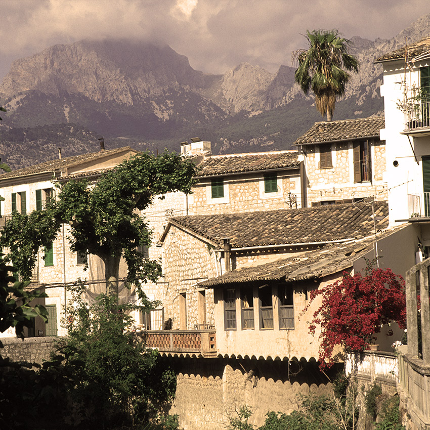 Charming Valdemossa, seen when walking in Mallorca - Sherpa Expeditions