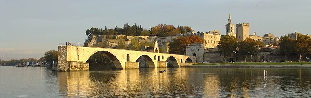 visit Avignon in Provence - Sherpa Expeditions walking holidays