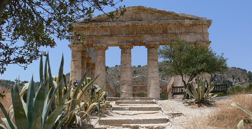 Segesta Temple in Sicily - Sherpa Expedtions walking holidays