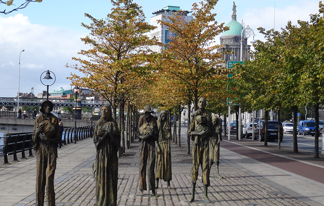 Famine Statue - Dublin walking tour - Sherpa Expeditions